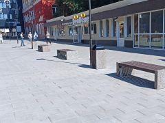 На территории ЦУМа Красноярска выставлена уличная мебель Стимэксории ЦУМа Красноярска выставлена уличная мебель Стимэкс