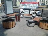 Прилегающая к штаб-квартире ОАО «Лукойл» (г. Москва) территория была оформлена с использованием дизайнерских скамеек из ассортимента ГК «Стимэкс»