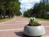 Парк перед Свято-Никольским храмом