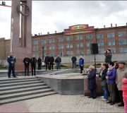 В Ленинском районе на мемориальном комплексе в честь 70-летия Победы высадили 70 деревьев.