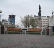 Замена уличной мебели на площади Правосудия в Красноярске